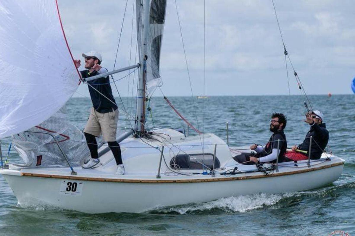 Team building barca a vela 1